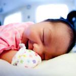 Kiedy dziecko zaczyna gorączkować. Jak sobie radzić z podwyższoną temperaturą u dzieci i niemowląt?
